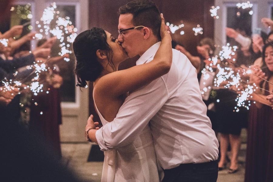 pierwszy taniec przy muzyce dja weselnego
